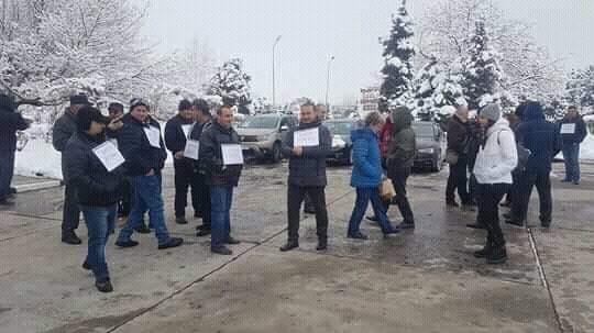 mai-multi-angajati-de-la-combinatul-oltchim-continua-greva-foamei