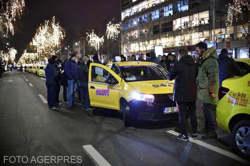 taximetristii-au-blocat-un-bulevard-din-bucuresti