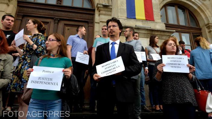 proteste-ale-magistratilor-de-la-mai-multe-instante