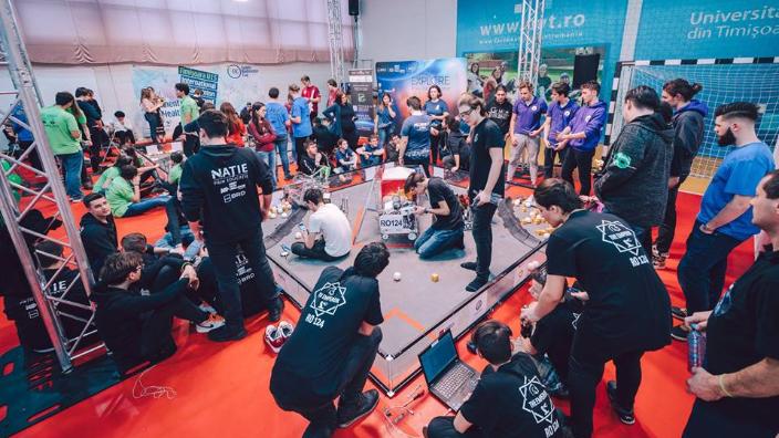 meciuri-demonstrative-ale-echipelor-de-robotica-din-judetul-alba