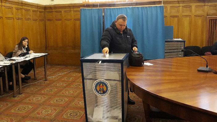 galati-sectie-de-vot-pentru-cetatenii-din-republica-moldova