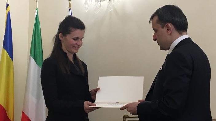 romanca-din-italia-care-a-infruntat-mafia-premiata-de-ambasada-romaniei