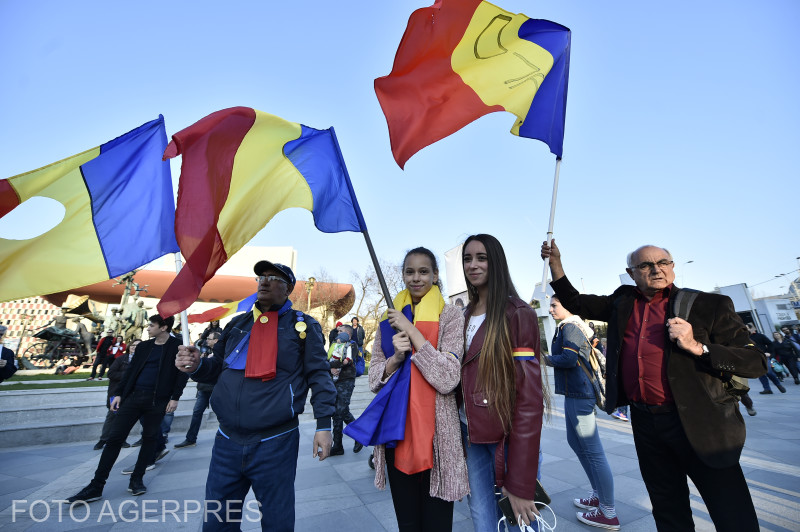 anti-government-protest-in-bucharest-romanians-support-kovesi
