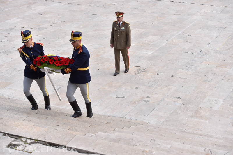 ceremonii-militare-la-craiova-si-la-ramnicu-valcea-de-ziua-europei