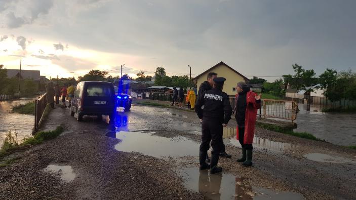 jud-satu-mare-locuinte-inundate-si-persoane-evacuate-in-urma-inundatiilor