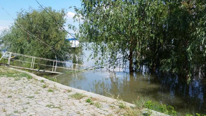 efectele-inundatiilor-in-tara-foto
