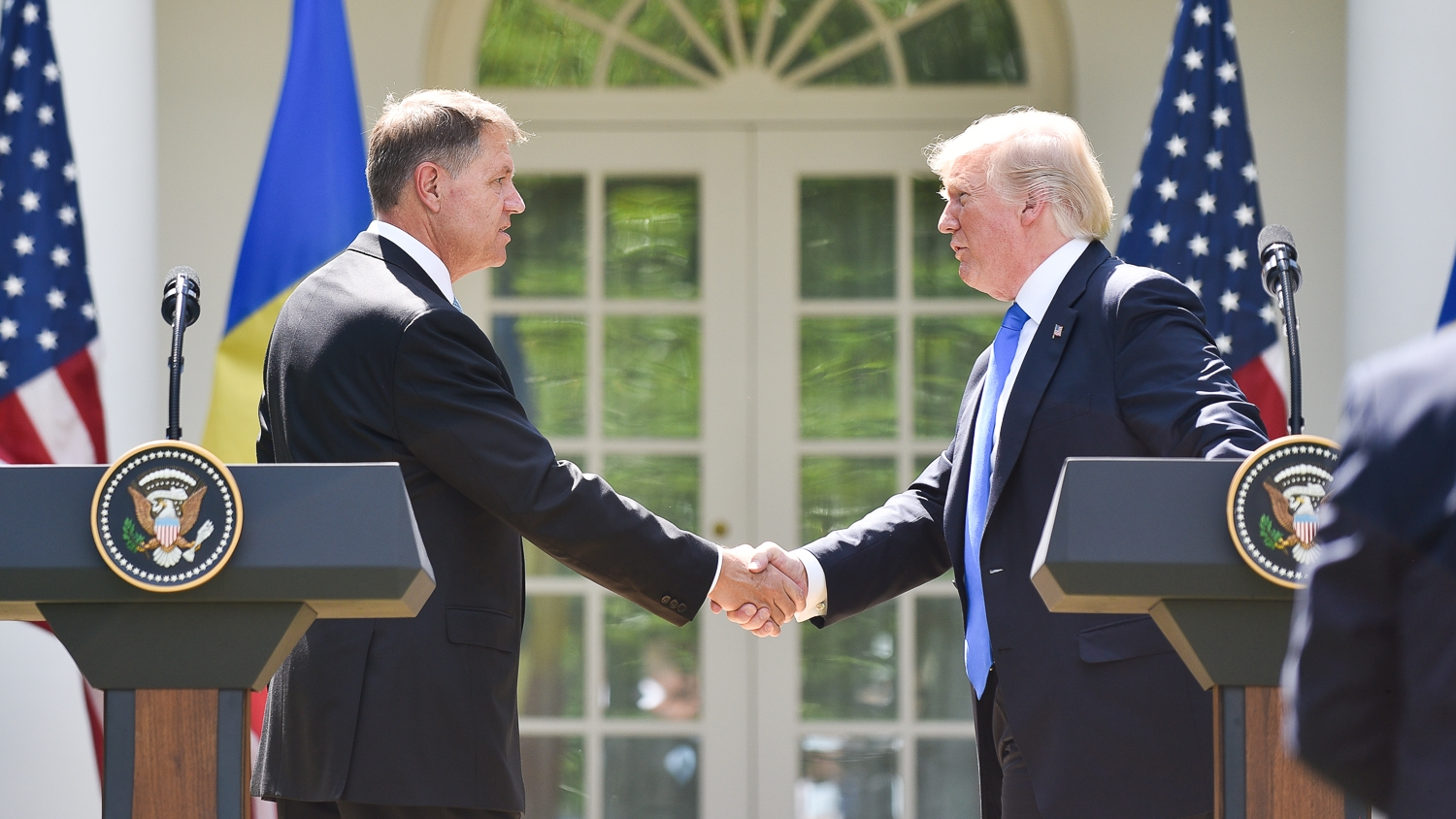 klaus-iohannis-meets-us-president-in-washington