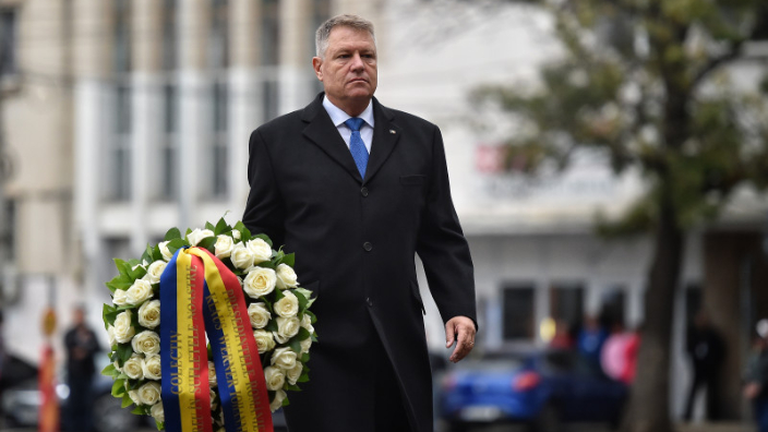 president-iohannis-lays-wreath-at-colectiv-club-