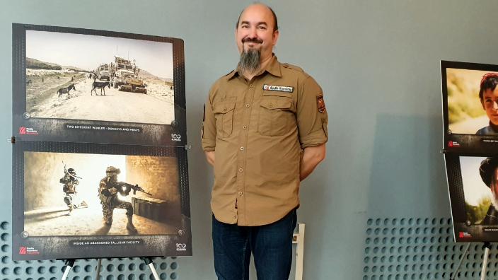 ilie-pintea---expozitia-de-fotografie-afganistan-chipuri-ale-razboiului