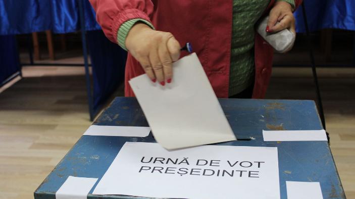 campania-electorala-pt-turul-ii-al-alegerilor-prezidentiale-incepe-vineri