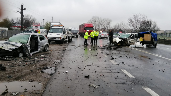 grav-accident-rutier-in-focsani-doua-persoane-decedate-si-patru-ranite