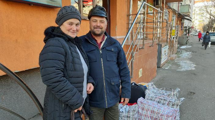 pachete-cu-mancare-traditionala-pentru-romanii-din-strainatate
