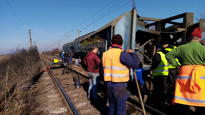 traficul-feroviar-este-intrerupt-si-azi-in-judetul-olt-pe-magistrala-900