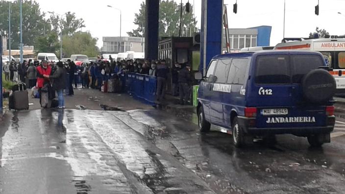 -traficul-la-frontierele-romaniei-continua-sa-fie-intens