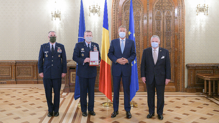 iohannis-meeting-with-the-supreme-allied-commander-europe-t-wolters