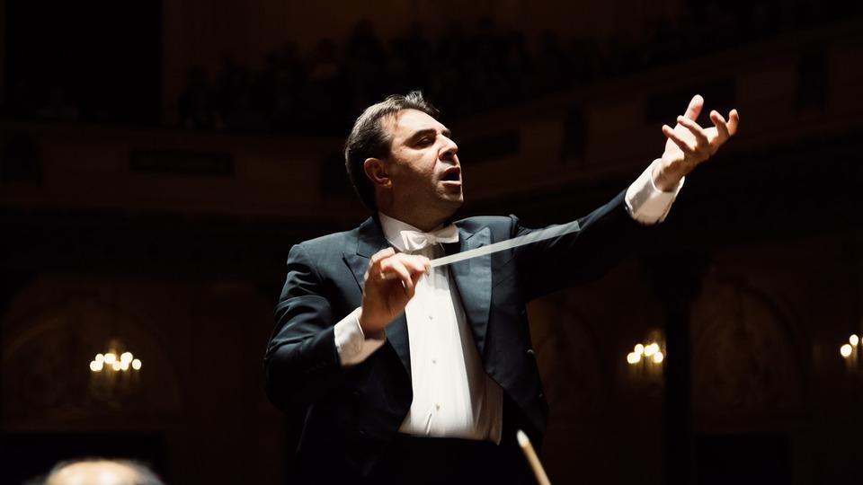 live-simfonii-de-mendelssohn-si-brahms-cu-daniele-gatti-i-orchestra-philharmonia