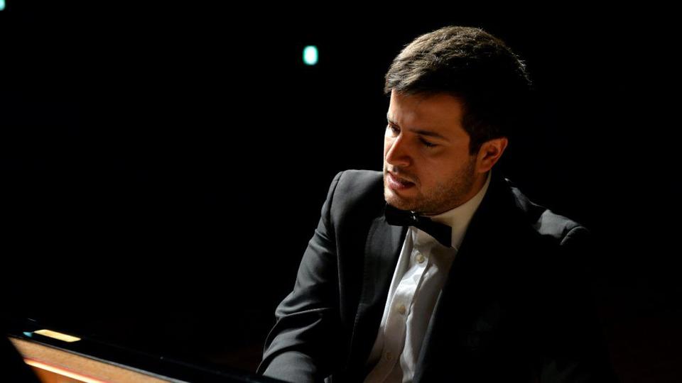 pianistul-florian-mitrea-interpretul-zilei-de-27-iunie