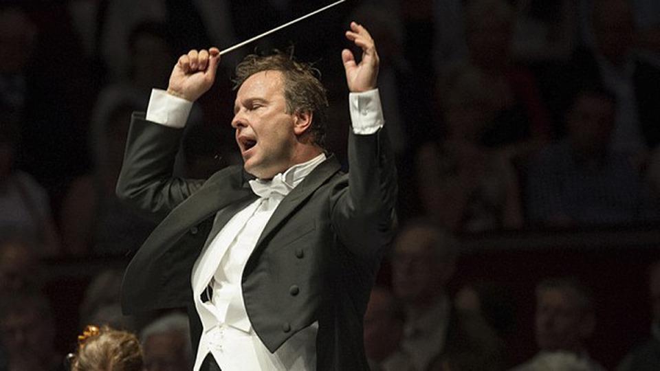 sakari-oramo-la-pupitrul-orchestrei-simfonice-bbc