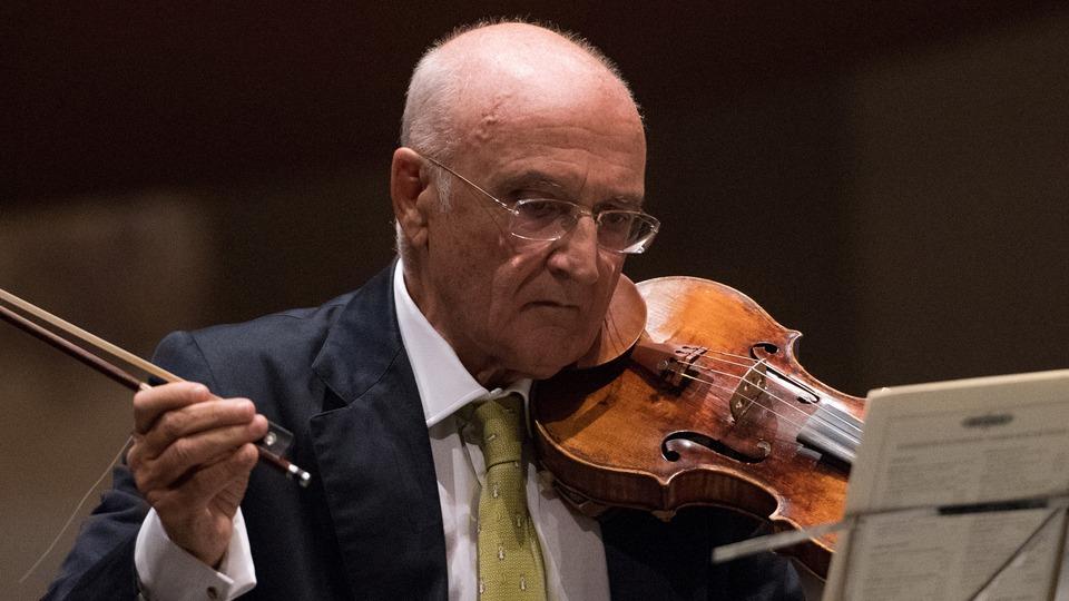 salvatore-accardo-legenda-violonisticii-mondiale-invitatul-povestilor-de-succes-ale-muzicii