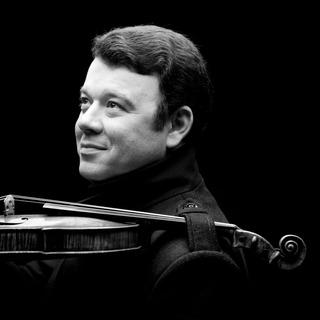 Violonistul Vadim Gluzman ȋn direct de la  Elbphilharmonie  - duminică 24  februarie 5294a02495
