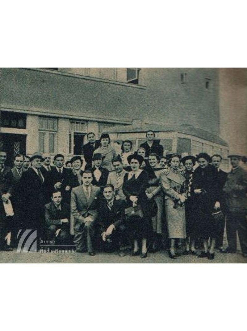 O vizită la stația Bod a angajaților radio din București (1937)