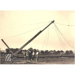 Montarea primei antene a postului de la Bod (1934)