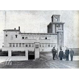 Voievodul Mihai în vizită la Radio București, stația Băneasa (1932)