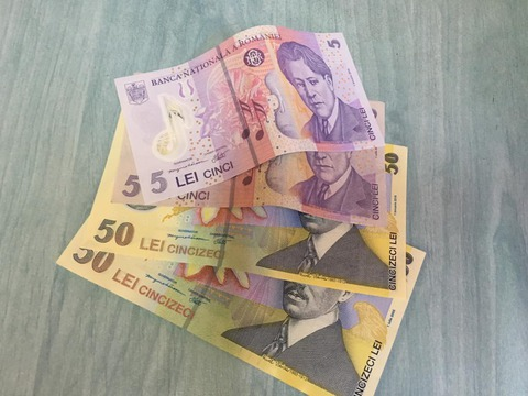 20-de-perchezitii-astazi-intr-un-dosar-de-furt-de-case-bani
