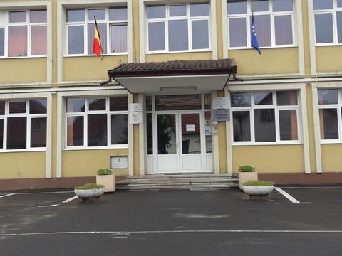 alte-doua-unitati-de-invatamant-din-judetul-brasov-au-trecut-in-scenariul-rosu