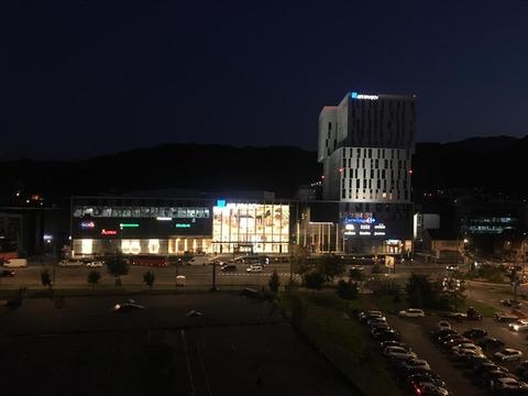 mall-ul-din-centrul-civic-se-deschide-miercuri-nu-transformai-ziua-de-deschidere-in-punctul-de-debut-al-unor-noi-imbolnaviri-transmit-autoritaile
