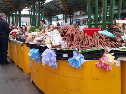 se-inchid-targurile-de-vechituri-raman-deschise-doar-pieele-agro-alimentare