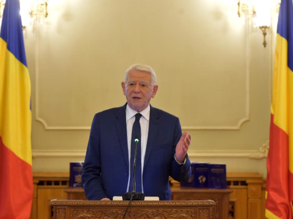 presedintele-senatului-teodor-melescanu-a-anuntat-ca-nu-demisioneaza-pana-cand-decizia-curtii-constitutionale-nu-va-aparea-in-monitorul-oficial