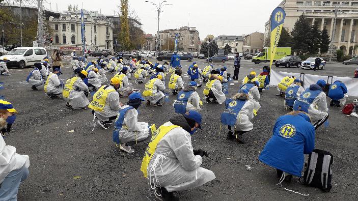 membrii-federatiei-solidaritatea-sanitara-protest-in-fata-guvernului