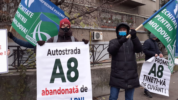 protest-in-fata-palatului-cotroceni