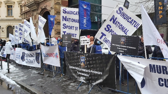 protest-al-publisind-in-fata-ministerului-muncii