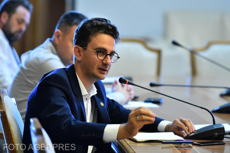 dezbatere-privind-situatia-actuala-si-viitorul-televiziunii-romane
