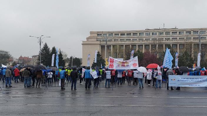 proteste-sindicale-in-fata-guvernului-si-in-piata-victoriei