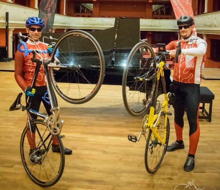 prima-filarmonica-din-tara-cu-echipa-de-ciclism