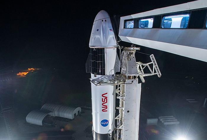 video-o-racheta-spacex-cu-patru-astronauti-lansata-cu-succes-catre-iss