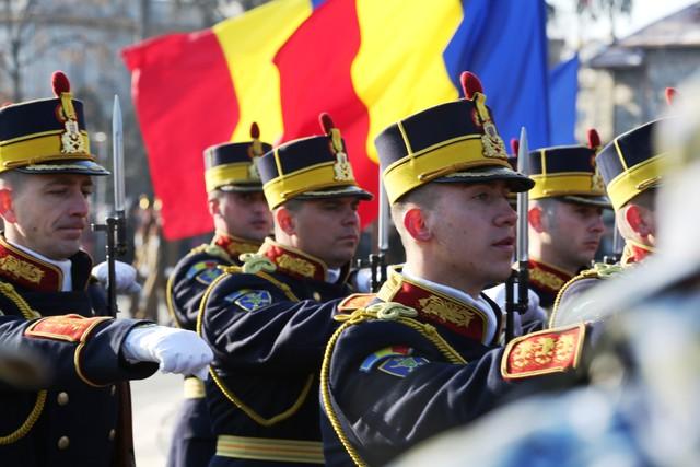 ceremonie-militara-organizata-pe-20-iulie-cu-ocazia-zilei-aviatiei-romane