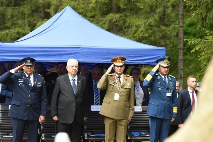 comemorarea-soldatilor-morti-in-2010-in-accidentul-aviatic-din-m-tii-bucegi