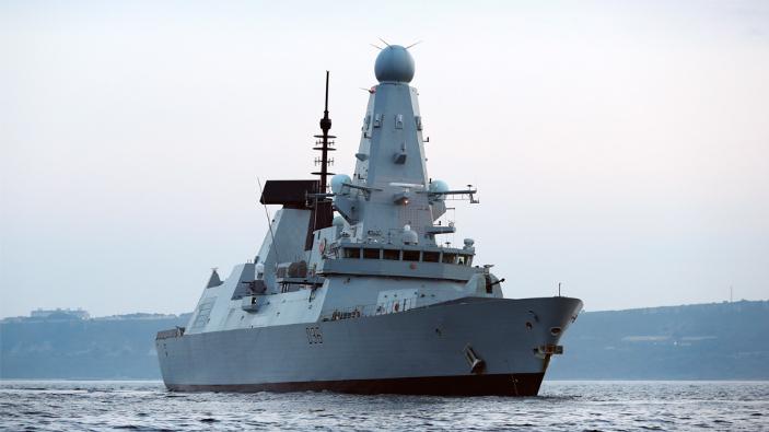 incidentul-cu-distrugatorul-britanic-reprezinta-o-provocare-periculoasa