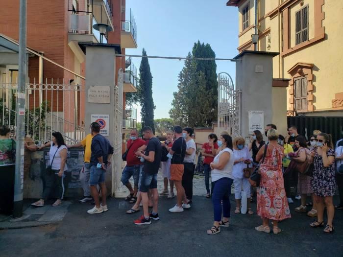 alegeri-r-moldova-aglomeratie-la-sectiile-de-votare-din-roma