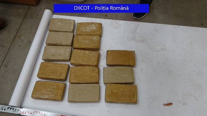 half-a-ton-of-cocaine-found-in-40-banana-boxes