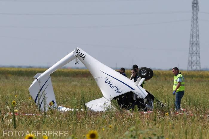 avion-de-mici-dimensiuni-prabusit-in-chitila-doua-persoane-ranite