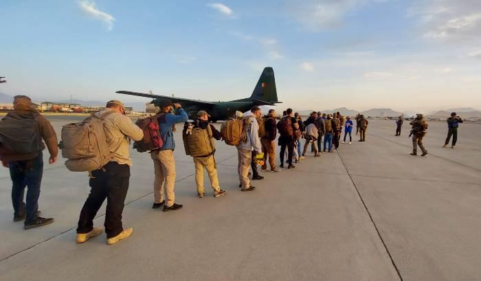 exclusiv-rra-interviu-cu-daniel-dragulescu-roman-evacuat-din-afganistan