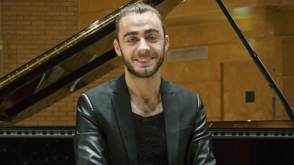Pianistul Daniel Ciobanu, primul artist în rezidență. Art-img1-2401571-daniel__ciobanu