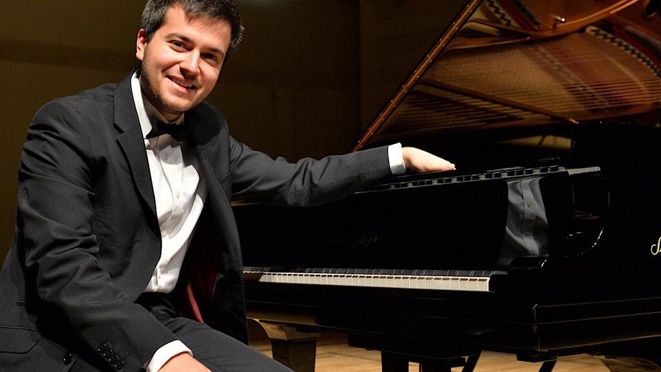 pianistul-florian-mitrea-in-seria-de-interviuri-povetile-de-succes-ale-muzicii