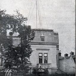 Antena postului de 400 W și o parte din clădirea Radioului (1928)