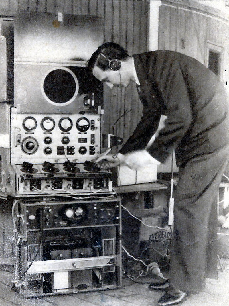Interior radio car de reportaje (1938)